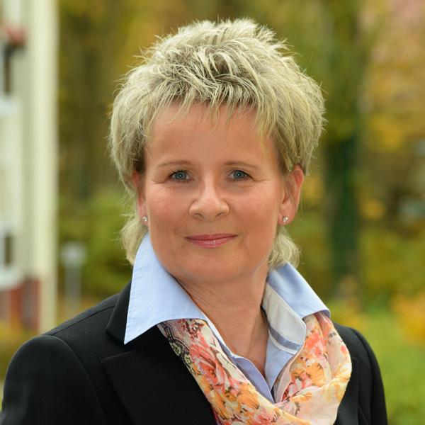 """Andrea Laupert, zuständig für das Sekretariat bei der WBG """"Aufbau"""" Strausberg eG"""