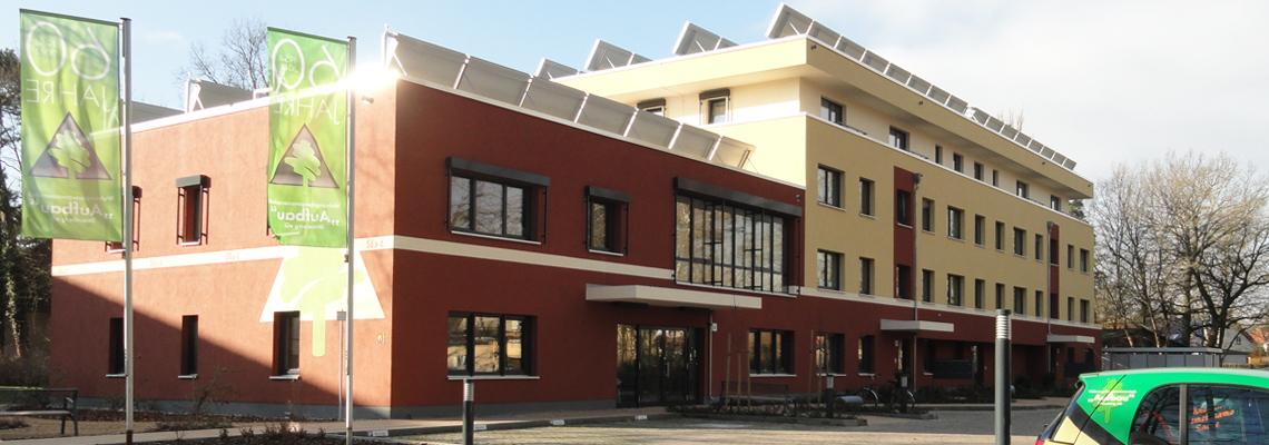 """ingang der Geschäftsstelle der WBG """"Aufbau"""" Strausberg"""