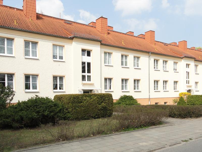 """Neugestalteter Innenhof der Gustav-Kurtze-Promenade der WBG """"Aufbau"""" Strausberg eG_02"""