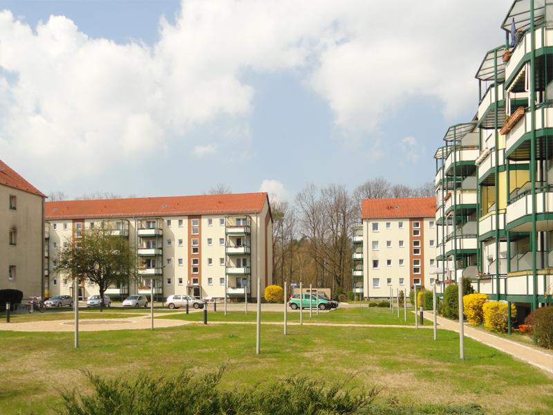 """Neugestalteter Innenhof der Gustav-Kurtze-Promenade der WBG """"Aufbau"""" Strausberg eG_05"""