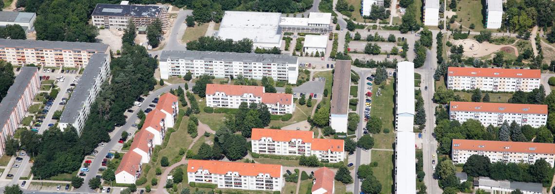 """Luftaufnahme vom Wohngebiet """"Am Försterweg"""" der WBG """"Aufbau Strausberg"""