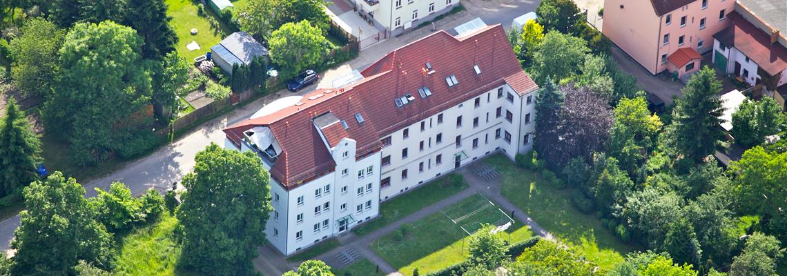 """Luftaufnahme vom Wohngebiet """"Fritz-Reuter-Straße 02"""" der WBG """"Aufbau Strausberg"""