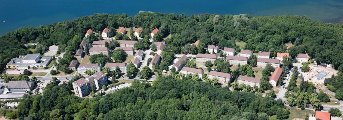 """Luftaufnahme vom Wohngebiet """"Seehaus-Siedlung"""" der WBG """"Aufbau Strausberg"""