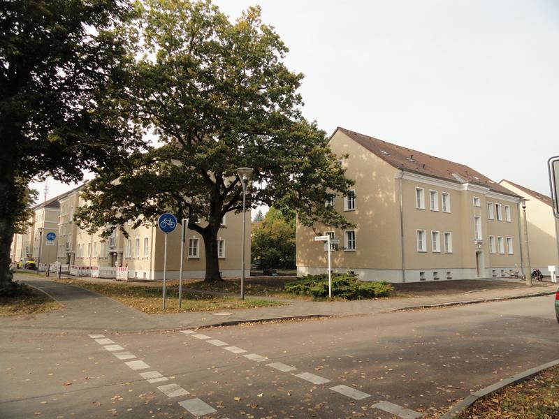 Neusanierte Häuser Wriezener Straße 19/21 und Ringstraße 1/3