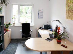 """Zimmer der Geschäftsstelle der WBG """"Aufbau"""" Strausberg im Neubau """"Sonnenhaus""""."""