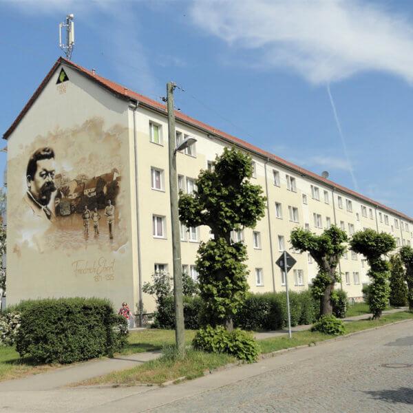 Neue Hausansicht der Friedrich-Ebert-Straße 100-104