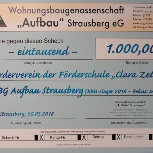 WBG übergibt der Foerderschule den Scheck